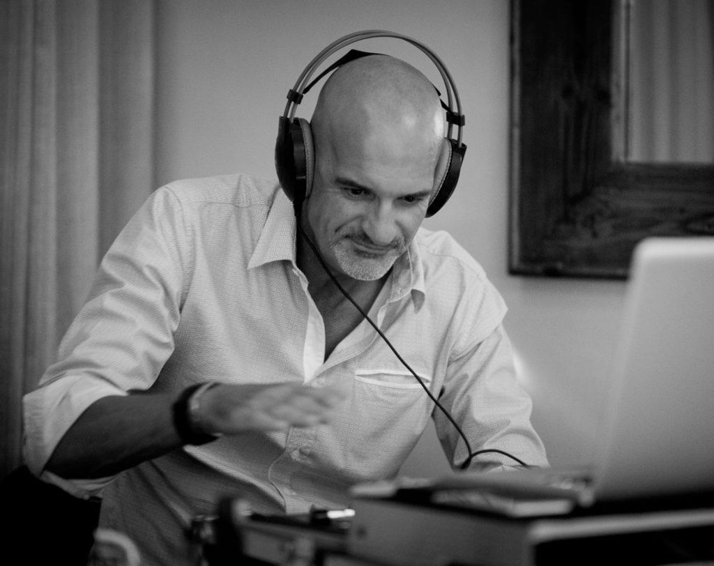 Elite DJs Perth - DJ Scott-e Perth DJ hire